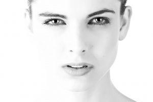 4 טיפים לשמירה על עור הפנים ללא קמטים לאורך זמן