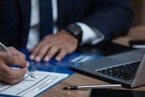 מה ההבדל בין נוטריון - לעורך דין