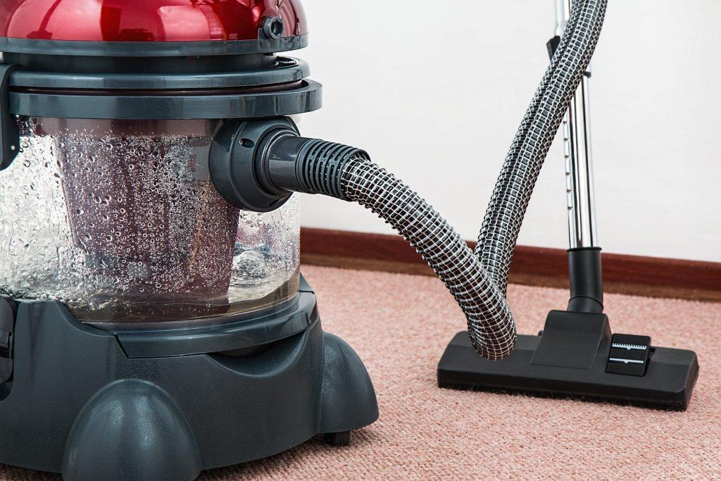 איך מתאימים את חדר השינה לאלרגיים לאבק-